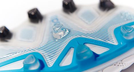 adidas-pathique-11pro-fg-wh-blue-blk-06