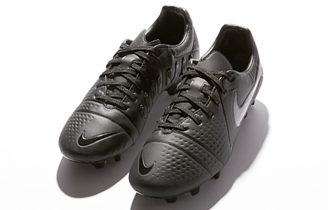 nike-ctr360-lights-out-01