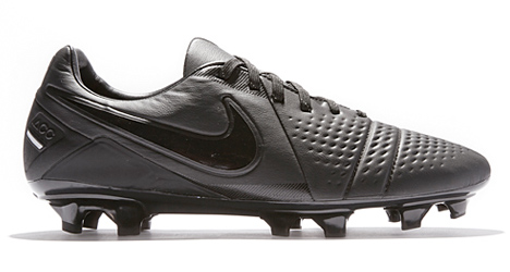 nike-ctr360-lights-out-02