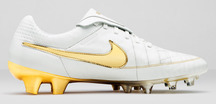 nike-tiempo-legend-5-touch-of-gold-03