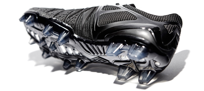 umbro-ux-1-concept-blackout-03